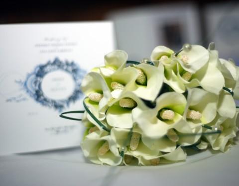 Bride bouquet flowers photography