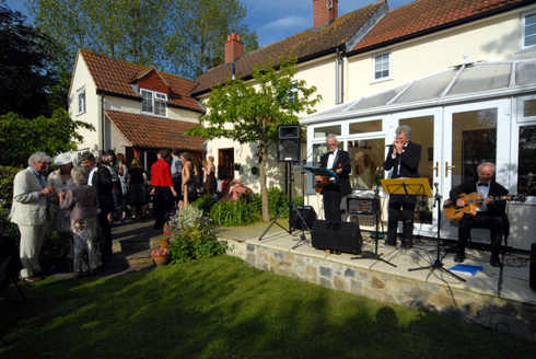 Reception wedding garden party