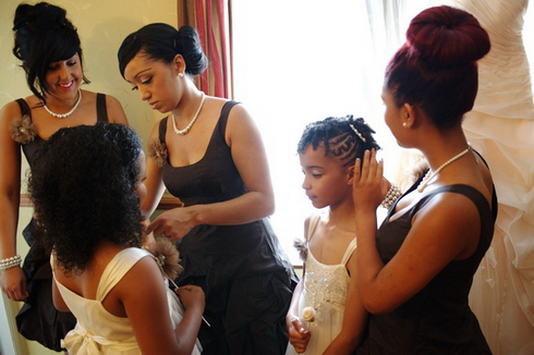 Yorkshire wedding - bridesmaids prepare