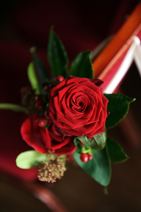 red wedding flowers photography