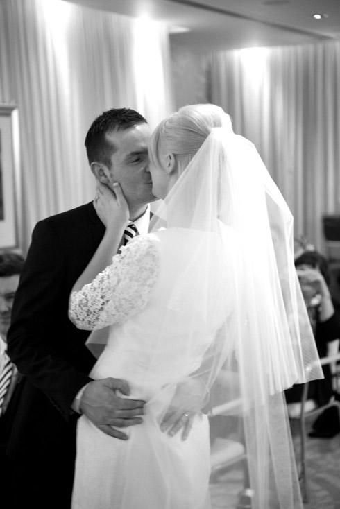 Wedding kiss Hard Days Night Hotel